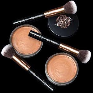 Other - YENSA•Silk Bronzing Base & Brush•NWT•NIB•MSRP $50